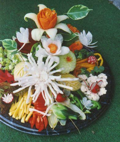 Blumenstrauss mit Dips